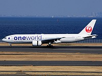 hnd/low/JA771J - B77-246 JAL (One World) - HND 28-02-2017.jpg